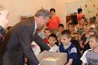 Праздничный прием в кругу детей (фото)