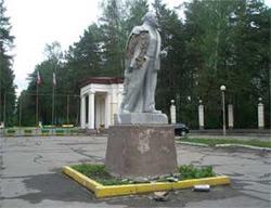 Жители Озерска выступают за восстановление памятника Ленину