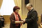 """Глава наградил ветеранов """"Росатома"""""""