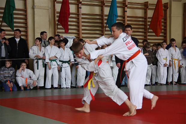 Юные дзюдоисты завоевали три медали